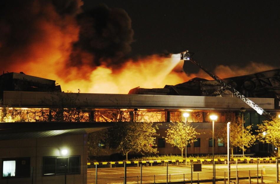 144893-fire-destroys-a-sony-warehouse-in-enfield-in-north-london.jpg