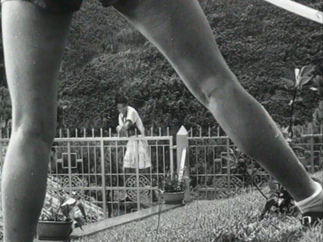 sister long legs 3.jpg